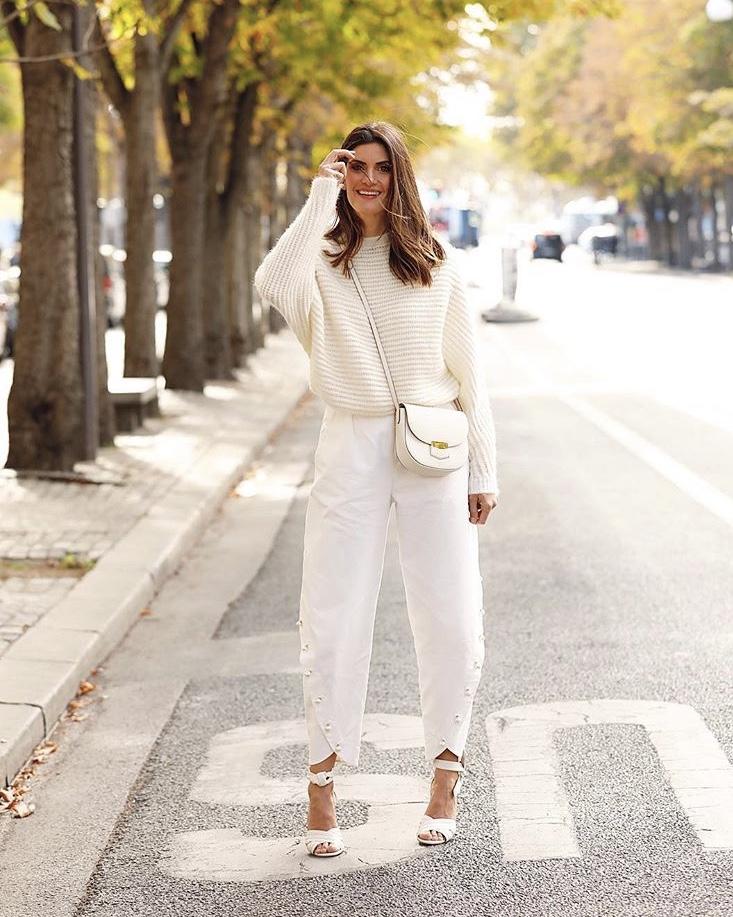 Isabella Fiorentino usa look total branco